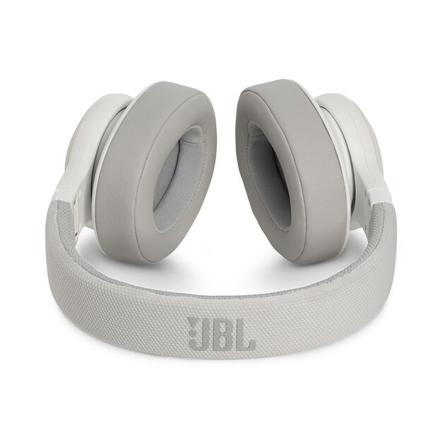 JBL E55BT - White - Wireless over-ear headphones - Detailshot 3